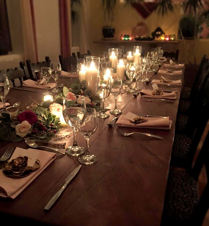 candlelit-table